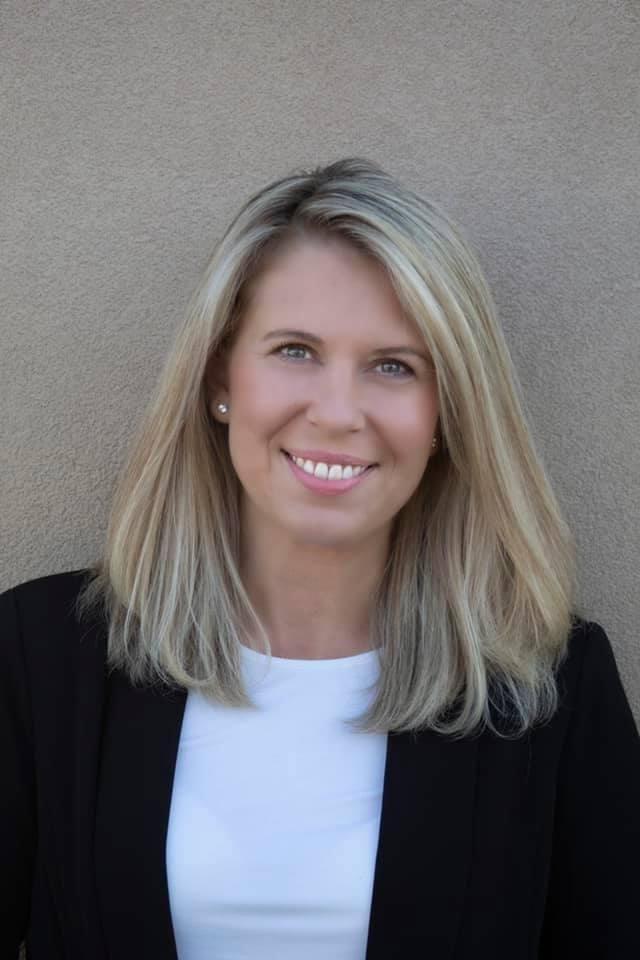 Holly Hoppes Hypnotherapist Ridgecrest CA